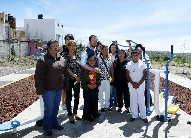 Gimnasios al aire libre y juegos infantiles a 28 colonias capitalinas