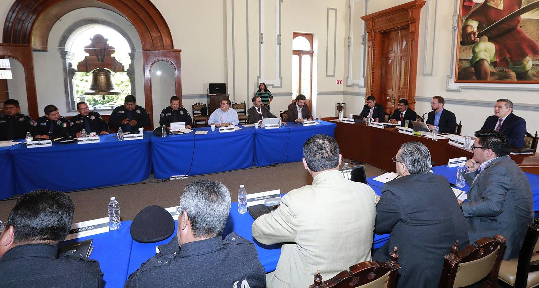 Colabora ayuntamiento de Puebla en reforzar seguridad de familias