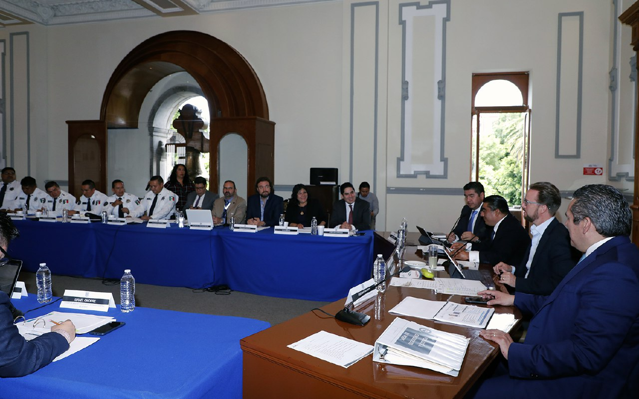 En Mesa de seguridad analizan delitos en la capital poblana
