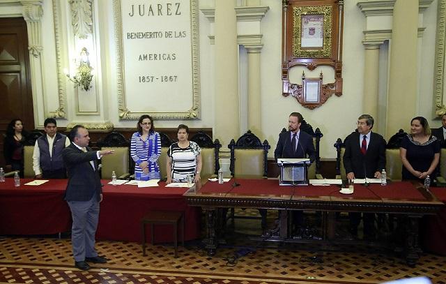 Luis Banck tomó protesta a Fernando Sarur como Síndico Municipal