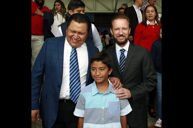 Destacan escolares hijos de empleados del ayuntamiento de Puebla