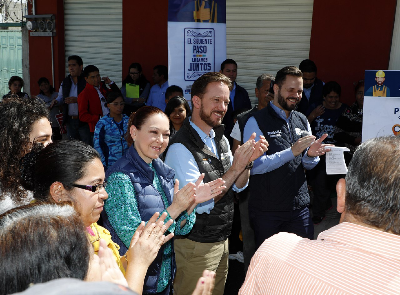 Banck entrega pavimentación de nueva vialidad en Romero Vargas