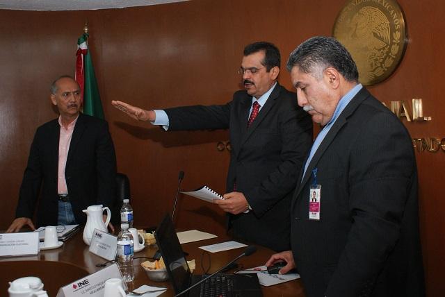 Rinde protesta Joaquín Rubio como vocal del INE en Puebla