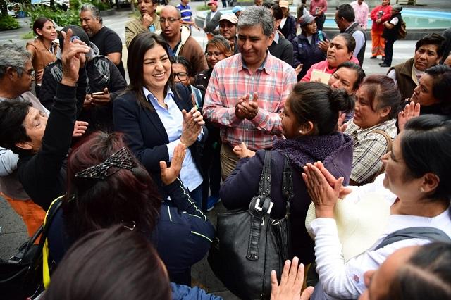 Claudia Rivera se reúne con trabajadores del Organismo de Limpia