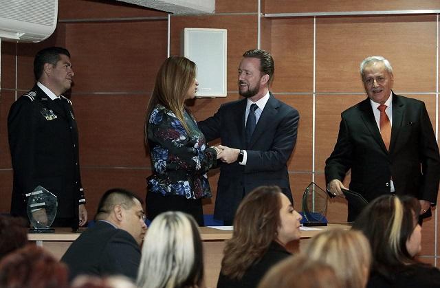 Luis Banck y vecinos de La Paz verifican acciones del Comité 4x4
