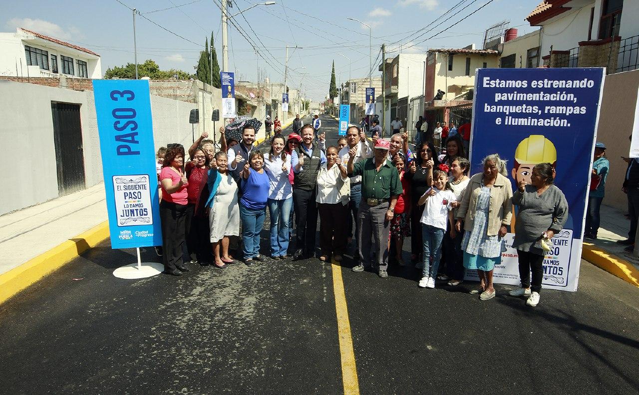 Pavimentación de vialidades, para familias de Totimehuacan : Banck
