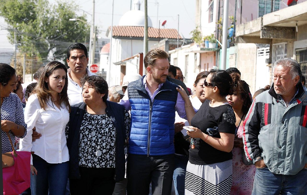 Banck y vecinos supervisan vialidad en Santa Cruz Buenavista