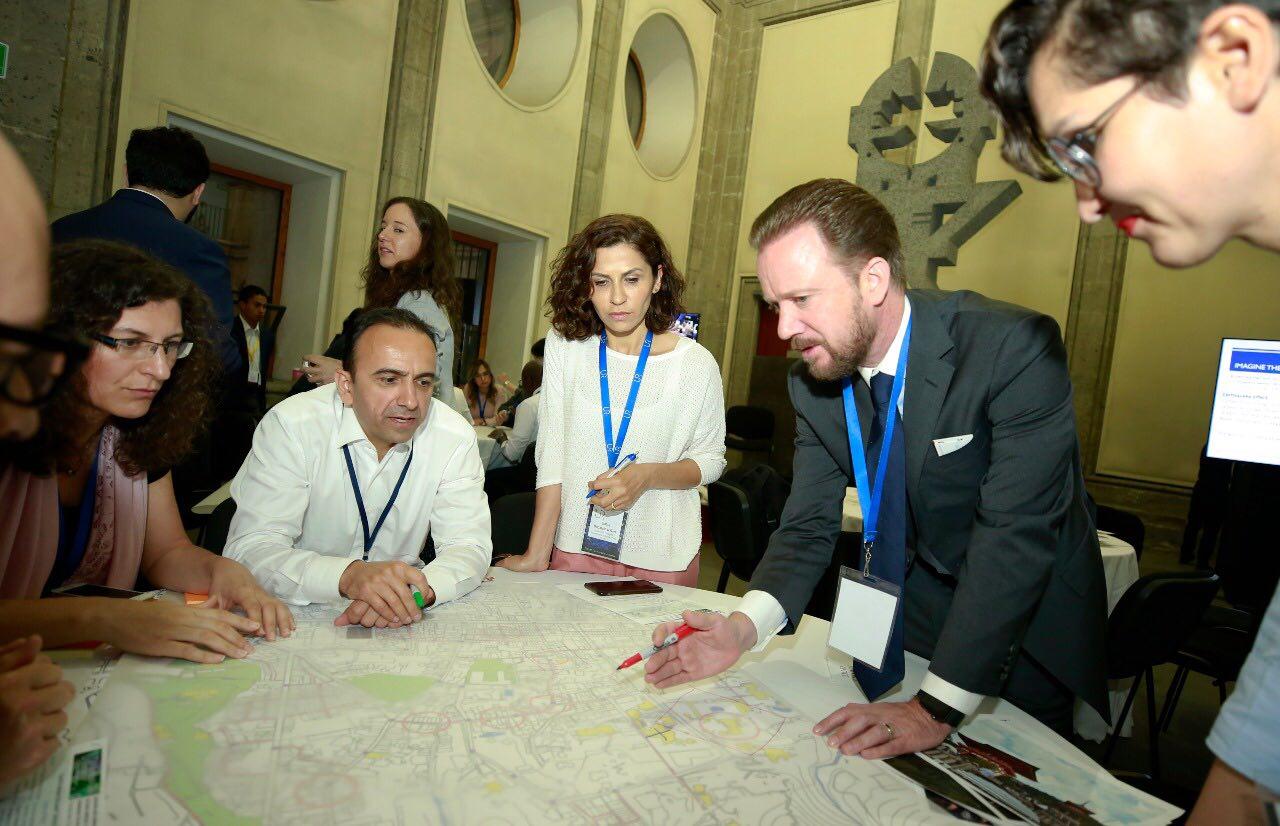 Destaca Banck en foro internacional  acciones ante efectos del sismo 19 S