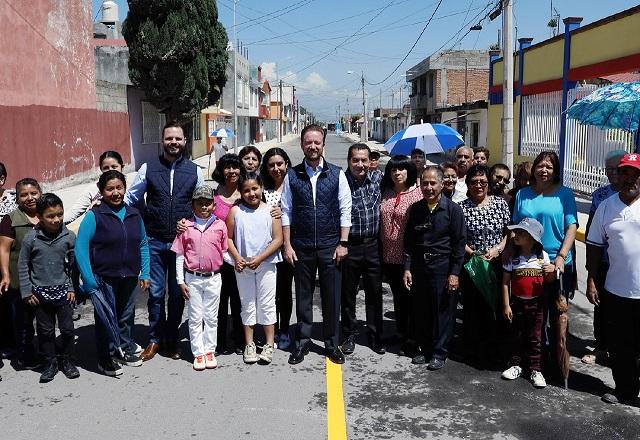 Transformación y progreso llegan a Lomas de Castillotla: Banck