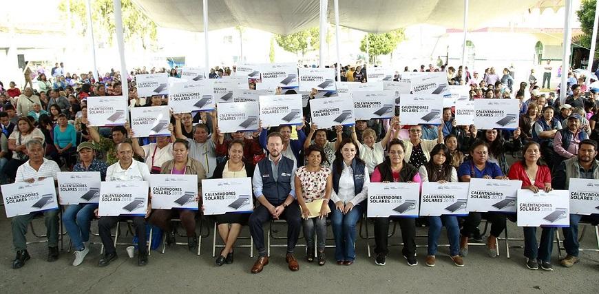 Entregan calentadores solares en colonias del sur de Puebla