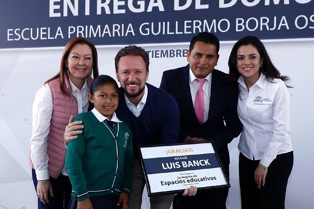 Luis Banck entrega domo a escuela primaria de San Baltazar