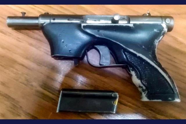 Policía de Huejotzingo detiene a dos hombres armados