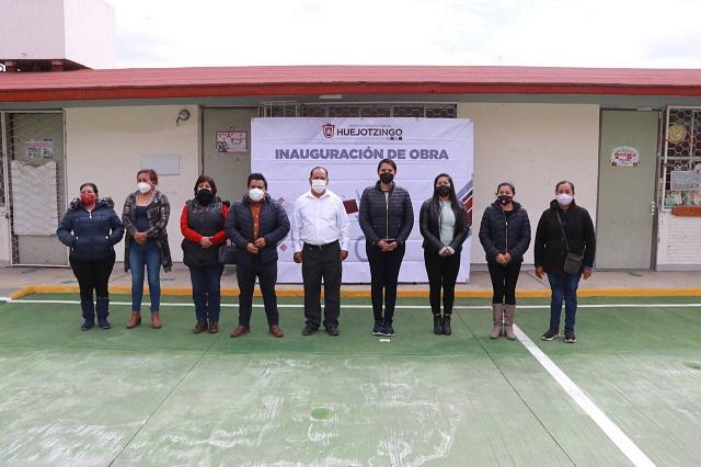 Inaugura Angélica Alvarado plaza cívica del jardín de niños Nepopualco