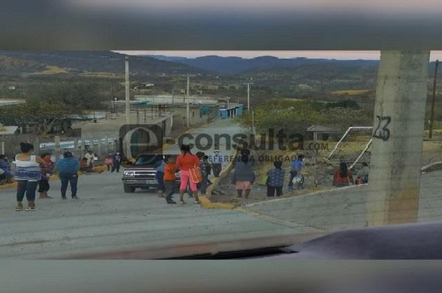 Acusan a alcaldesa de Acatlán por presunta campaña anticipada