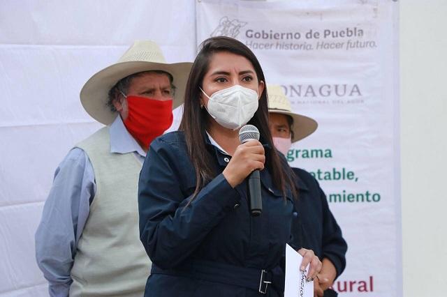 Llevan biodigestores sanitarios a familias de Huejotzingo