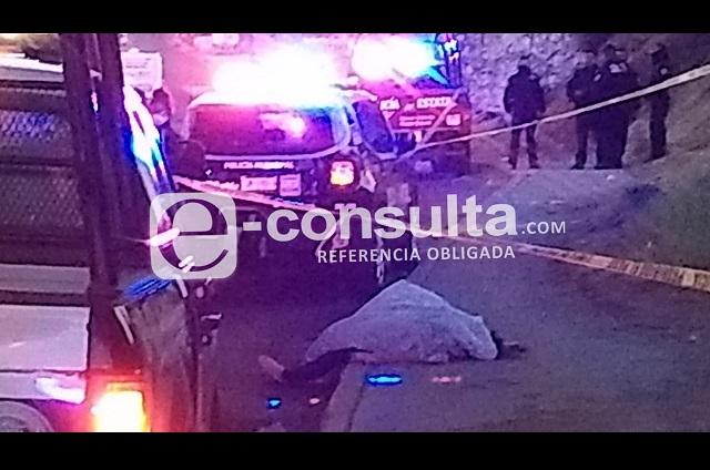 Matan a mujer a balazos bajo puente de la México-Puebla