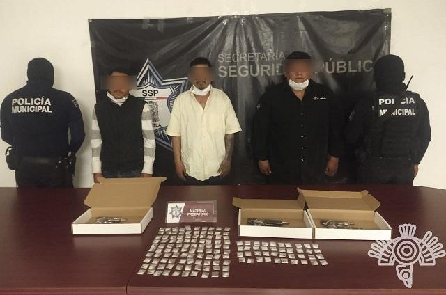 Detienen a 3 presuntos homicidas en Texmelucan; llevaban droga