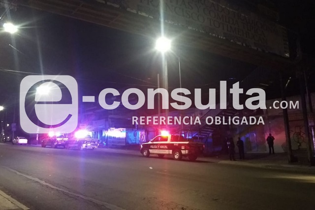 Hieren de bala a mujer en intento de asalto en Totimehuacán