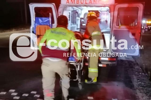 Conductor pierde un brazo al volcar sobre Periférico Ecológico