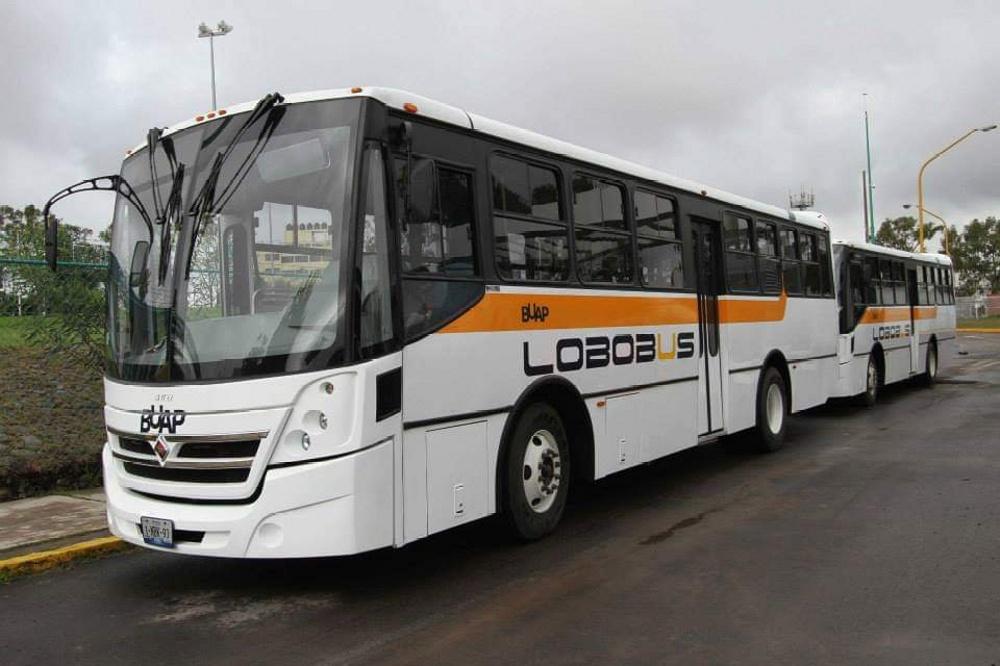 Choca autobús con alumnos BUAP en el Arco Norte; hay 16 heridos