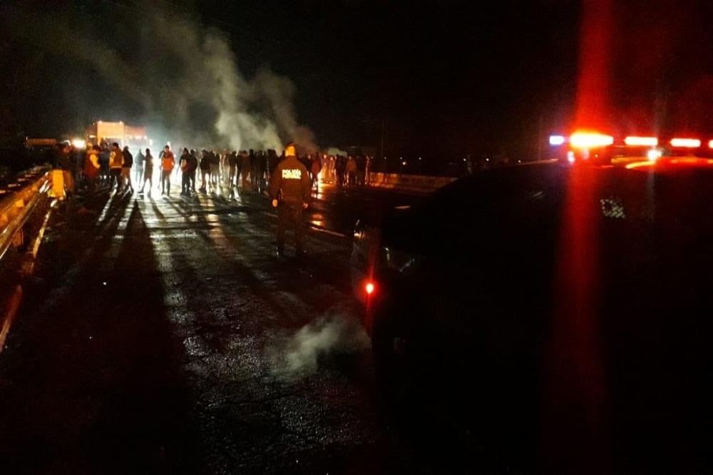 Cierran la México-Puebla por levantón de 2 jóvenes en Texmelucan