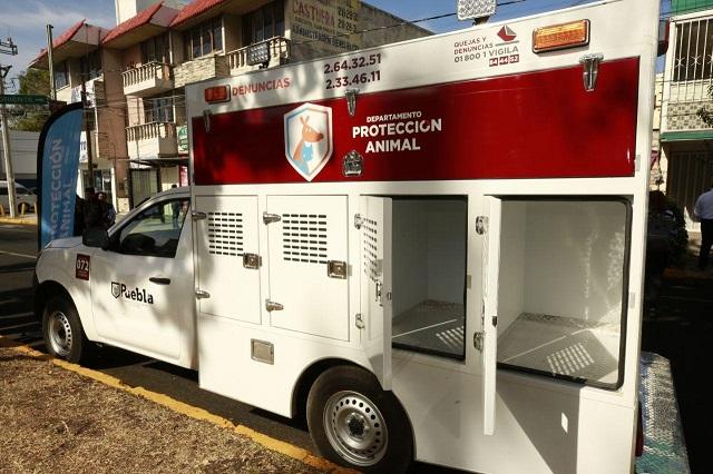 Gobierno capitalino entrega vehículos a Protección Animal