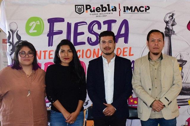 Fiesta del Libro Internacional en el zócalo de Puebla