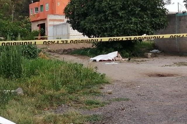 Hallan cadáver torturado y baleado en la federal a México