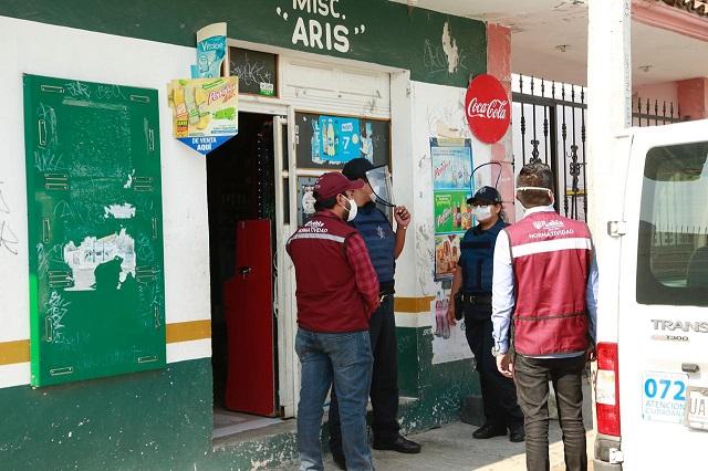 Clausuran tienda en Totimehuacán por venta de bebidas en botella abierta