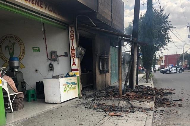 Por fuga de gas explota local de comida en San Aparicio
