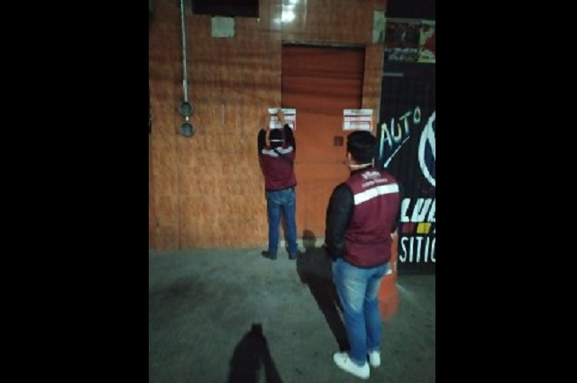 Clausuran 6 botaneros y tiendas por venta de alcohol en Puebla