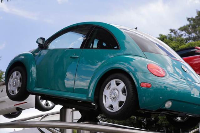 Gestiona VW préstamo bancario por 21 mil millones de dólares