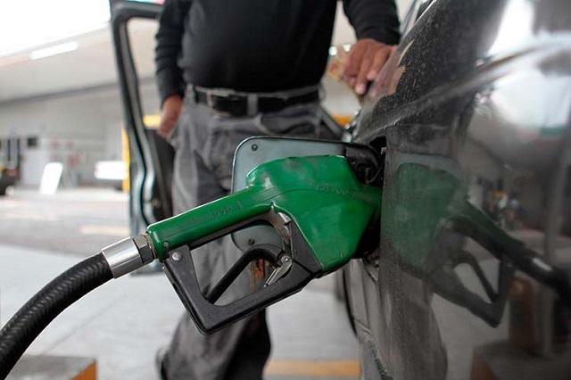 Ya pega a gasolineros de Oaxaca venta de gasolina robada en Puebla