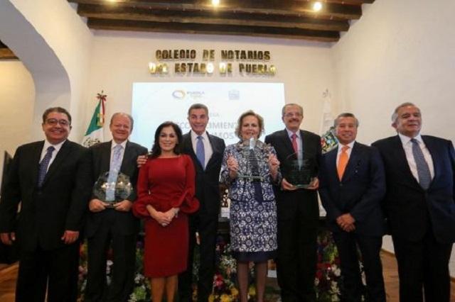 Antonio Gali encabeza reconocimientos póstumos a notarios