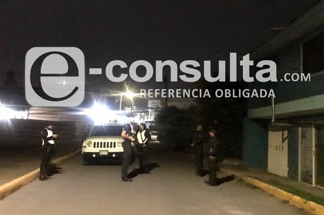 Catean inmueble en Cuautlancingo en busca de alcohol adulterado