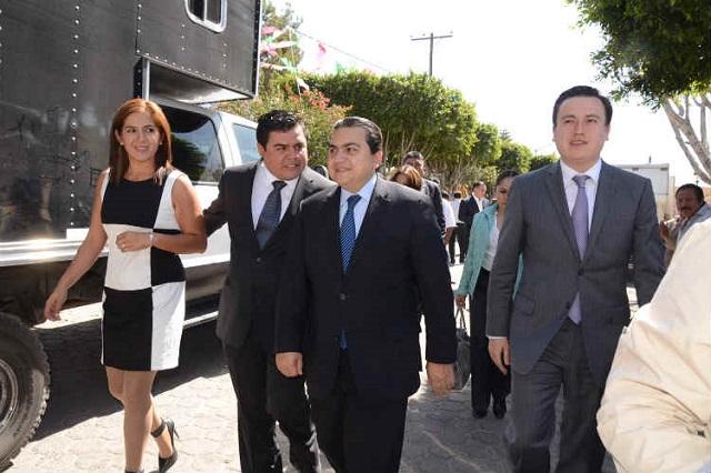 Edil de Tochtepec valora renuncia por amenazas de huachicoleros