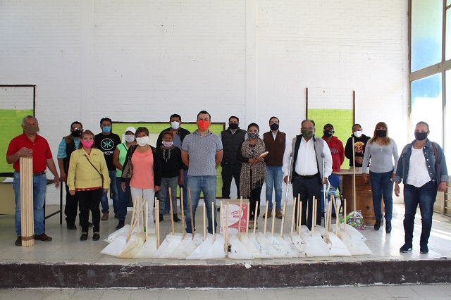 Dona Ayuntamiento de Puebla equipo de barrido a Juntas Auxiliares