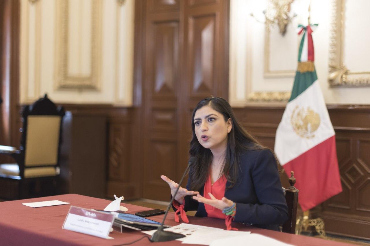Participa Claudia Rivera en conversatorio sobre autonomía municipal