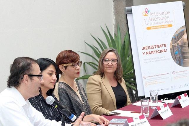 Harán catálogo de línea de artesanos de Puebla capital