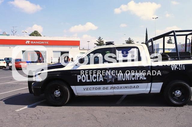 Detienen a dos hombres armados en Plaza Loreto
