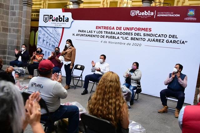 Recibe uniformes personal de base y sindicalizado del Ayuntamiento de Puebla