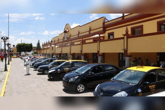Sanitizan 254 taxis de San Andrés Cholula