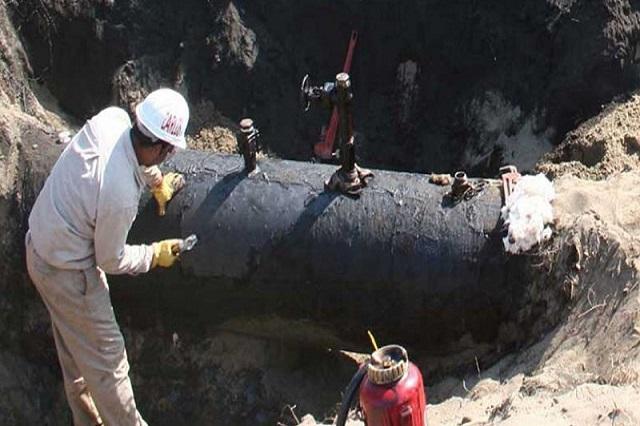 Repuntan tomas clandestinas de combustible en julio: Pemex
