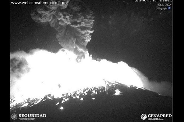 Fuerte explosión del Popocatépetl cimbra a Puebla y Tlaxcala