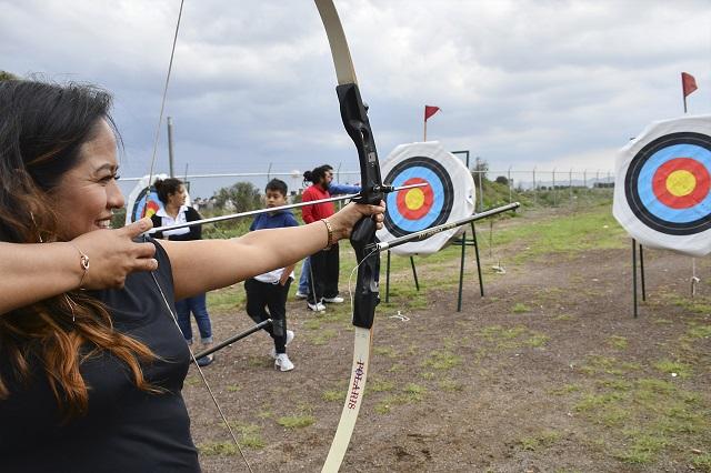 Arranca Lupita Daniel Escuela de iniciación de tiro con arco