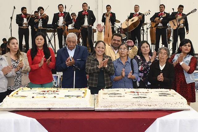 Encabeza presidenta de Cuautlancingo festejos por el Día del Abuelo