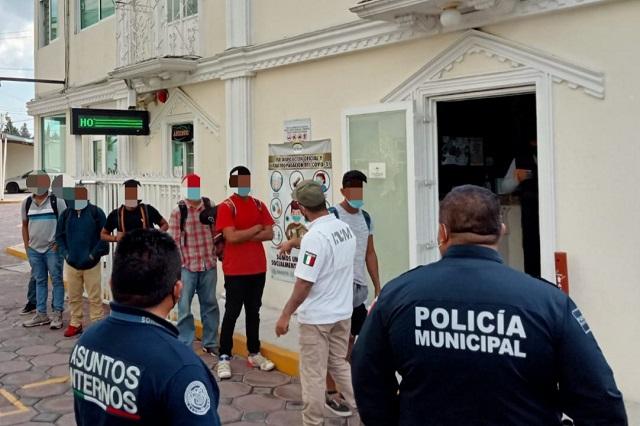 Rescatan a 16 migrantes centroamericanos en Hueyotlipan