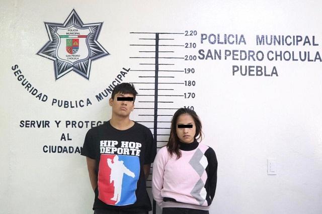 Cae pareja en San Pedro Cholula por presunto robo de taxi