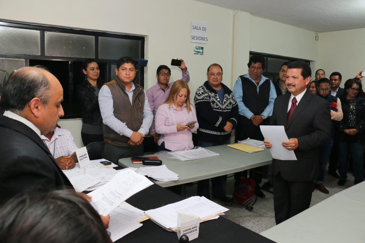 Recibe Arriaga constancia de mayoría en San Pedro Cholula