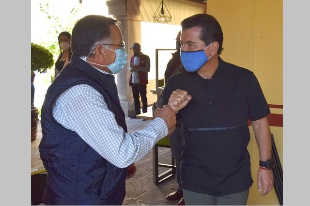 Apoyan en San Pedro Cholula la reactivación de artesanos
